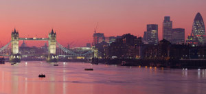 Tower Bridge City of London, Photo from: DAVID ILIFF Creative Commons